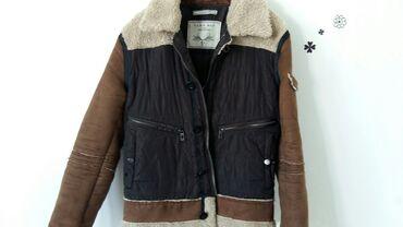 Zara men,jakna jednom nosena,rukavi su postavljeni,5 dzepovaRukavi