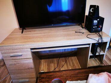 Garniture - Srbija: Prodajem kompjuterski sto