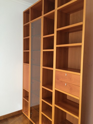 Large Oak bookcase in perfect condition σε Athens