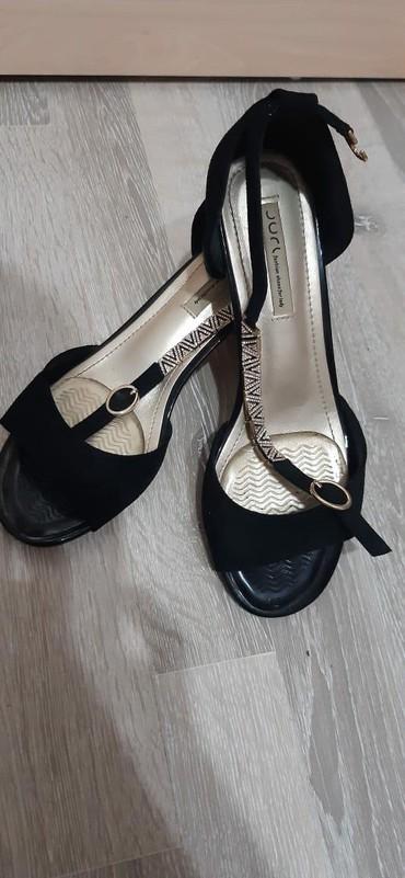 женские ботинки на каблуке в Азербайджан: Замшевые босоножки на выход,р-н 37-38,надели 1 раз на пару часовЧтобы