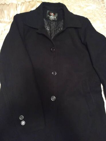 Мужское зимнее пальто, состояние идеальное, цвет черный, кошемир