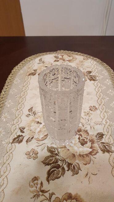 Antikvarne vaze   Srbija: Kristalna vaza 1200din.  Visina 16cm Širina 7cm  Težina 0,9kg