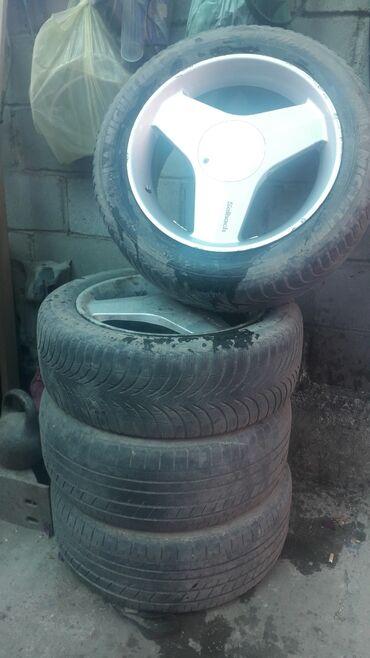 б у резина летняя в Кыргызстан: Продаю или меняю диски R17 на R16 R15 c хорошей резиной цена