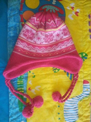 Польская шапочка на девочку. Цена 250 сом, бубончик один потерялся. в Бишкек