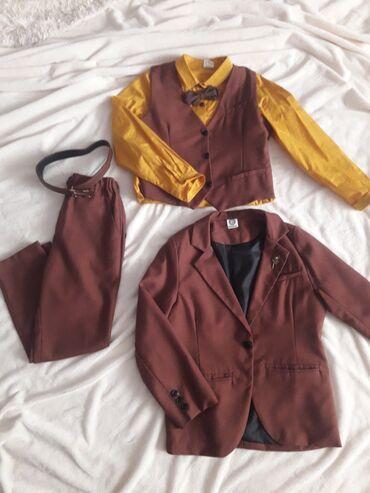Тройка костюм Б/У (рубашка,брюки,жилет,пиджак,бабочка и ремень)возраст