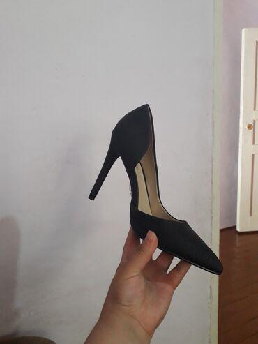 Новые туфельки не разу не одевала купила в Дубае за 90$