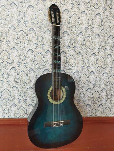 Спорт и хобби - Садовое (ГЭС-3): Продаю гитаруНастоящая классикаСтруны нейлоновыеМягкий и чёткий