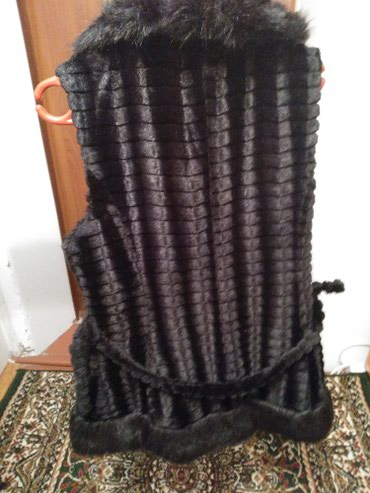 Жилетка размер xxxl 500сом одевала 2 раза в Каракол