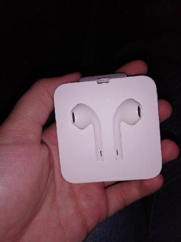 Slušalice za Iphone, original dobijene u kutiji sa telefonom. Imaju