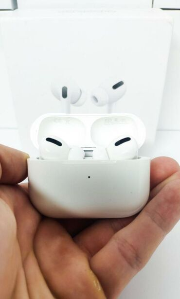 Original Apple Airpods Pro. Resmi Apple qarantiyasi ile. Hediyye