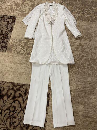Продаётся костюм б/у Размер 44-46