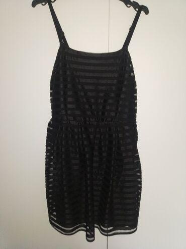 Μαύρο φόρεμα από τα H&M. Αμεταχείριστο. Μέγεθος Μ
