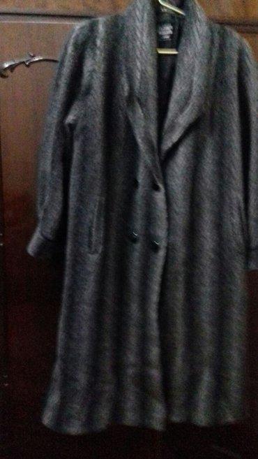 Gəncə şəhərində Palto-rengi boz boyuk beden
