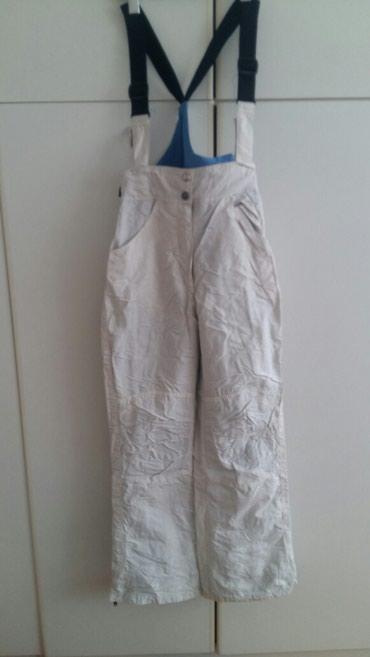 Pantalone sa na - Srbija: Samo 2000 rsdBrugi ski pantalone sa tregerima koji se mogu skidati