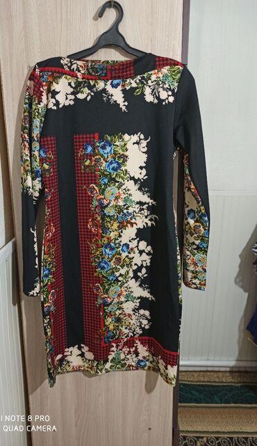 Продаю платья за все 2000тыс. сом в отличном состоянии. Размер 46-48