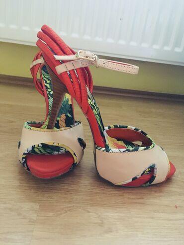 Sandale - Srbija: Nošene sandale, broj 37, vrlo malo oštećene