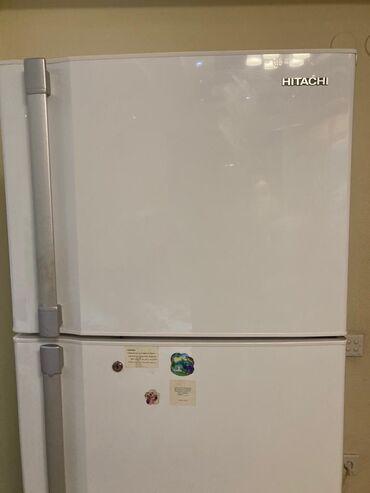 Б/у Двухкамерный Белый холодильник Hitachi