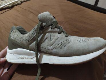 спортивные кроссовки мужские в Кыргызстан: Продам мужские кроссовки New Balance состояние отличное пару раз