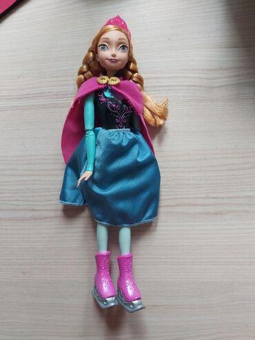 Frozen-kompleticine - Srbija: Frozen lutke, Elsa i Anna. Kupljene u Grčkoj, nigde nisu oštećene