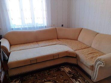 uqlavoy divan - Azərbaycan: Jurnalni de ustunde verilir. Uqlavoy divan, bir eded kreslo