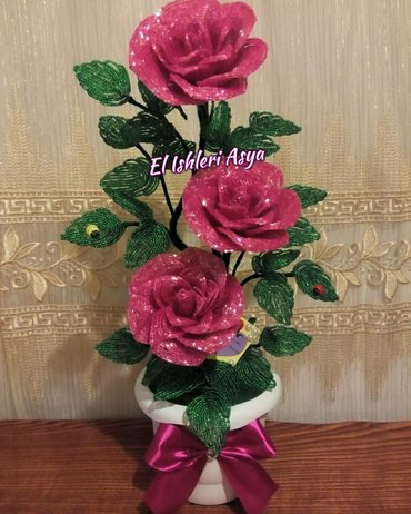 Bakı şəhərində El ishim 3lu roza bir budaqda. Her reng edirem. Whatsapp var,