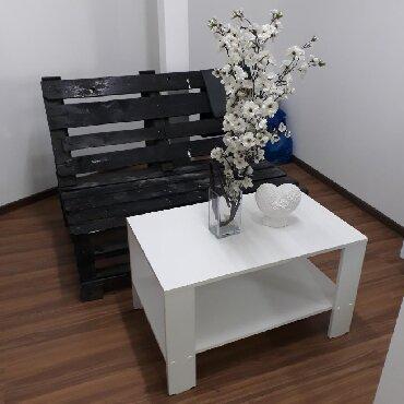 Журнальный столик белый