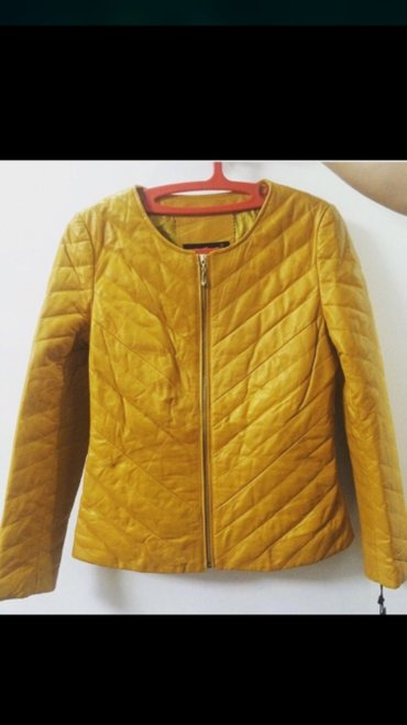 распродажа девушки в Кыргызстан: Кожаные куртки с утиплителем все по 5000 сом распродажа. Размеры уточн