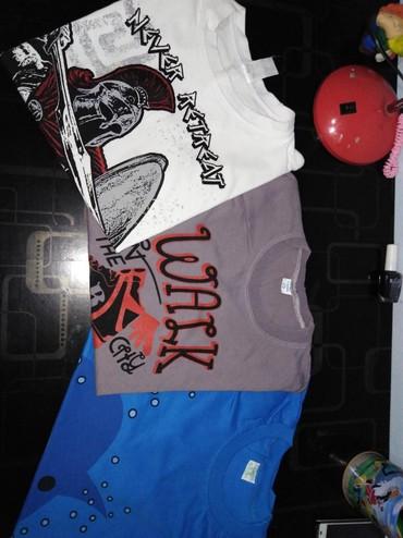 3 majice 700 din,10 god - Uzice
