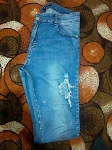 Джинсы - Кыргызстан: Продаю джинсы женская б/у размер м(48) мкр Кок-Жар