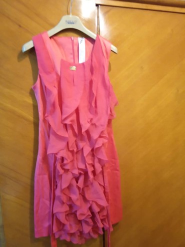 Красивое платье кораллого цвета. в Бишкек