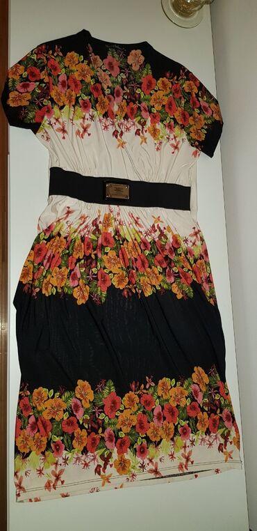 Lagana haljina Monica Beluci. Odgovara brojevima 38 i 40. Veoma