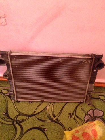 Радиатор на мерс, немного согнутый но не дырявый, отдам дёшево! в Токмак