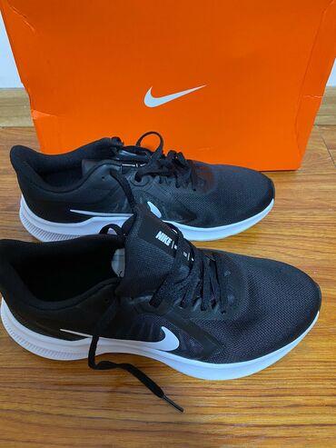 Личные вещи - Новопокровка: Продаются спортивные кроссовки Nike оригинал привезли из Германии