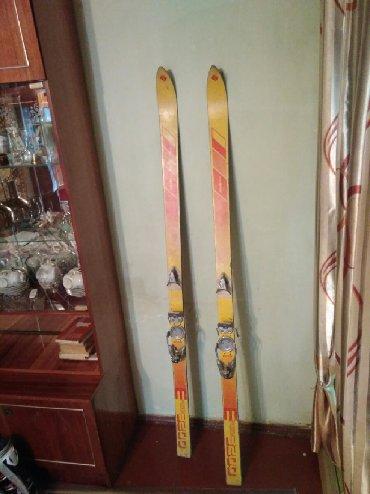 Лыжи в Кыргызстан: Старенькие лыжи с креплениями. Может кому-то сгодится. Длина 180 см