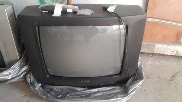 Продаю 2 нерабочих телевизора. за каждый