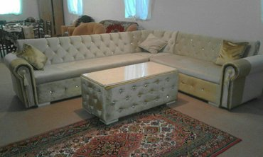 Bakı şəhərində Divanlar sifarisle yigilir.