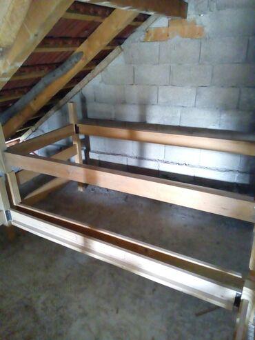 Kreveti - Srbija: Na prodaju 4 kreveta jednostruka od punog drveta.cena je 5000 din po