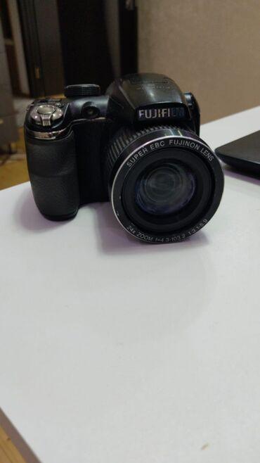 fujifilm finepix s2950 в Азербайджан: Salam teze fotoparatdi 14meqapikseldi 2ildi alinib vido da cekir yadda