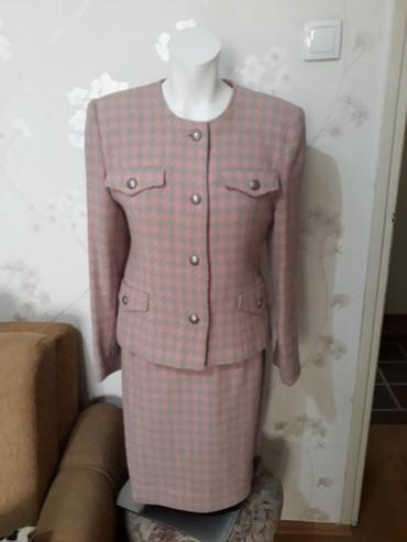 Print-postavljen - Srbija: Šanel kostim,šiven,postavljen,duž.sakoa 55 cm,rukavi 58,ledja