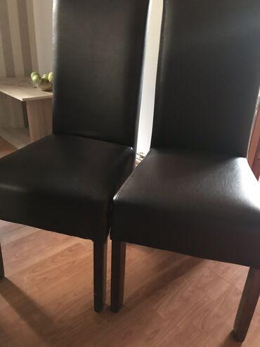 Nameštaj - Vrsac: Stolice u braon boji od eko koze, 4 komada. Koriscene par puta. Cena