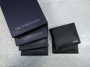 Мужское итальянское портмоне trussardiцвет: черный. Без