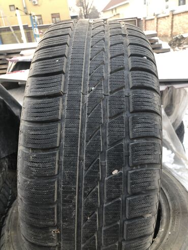 225 70 17 летние шины в Кыргызстан: Продаю резину фирмы Hankook, размер 225 55 R17 брали новую отъездили м