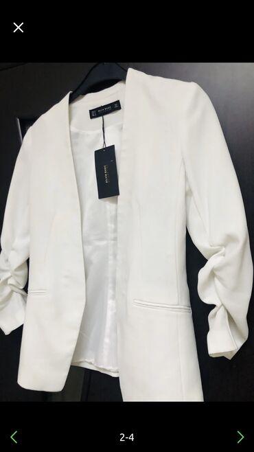 Пиджак( блейзер) новый, брала в Италии размер s-m( 36-44)цвет бел