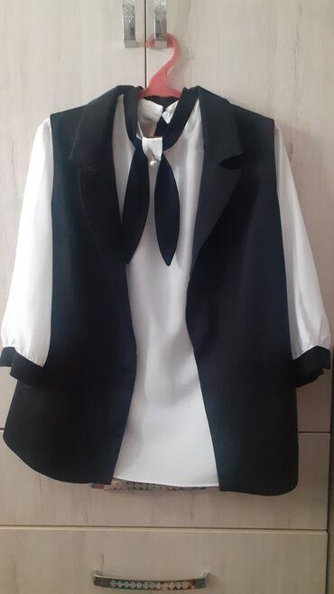 Женский жилет и рубашка. ЖИЛЕТ +РУБАШКА=350сом Размер: 44 (обе)