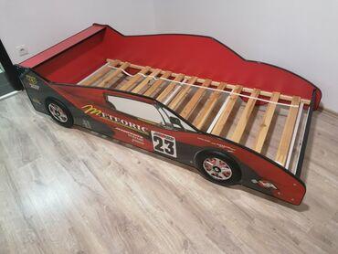 Prodajem deciji krevet. kupljen nov. jako malo koristen. nema nigde