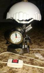 Rasveta | Kula: Lampa i sat, srebrno zlatna boja plastika