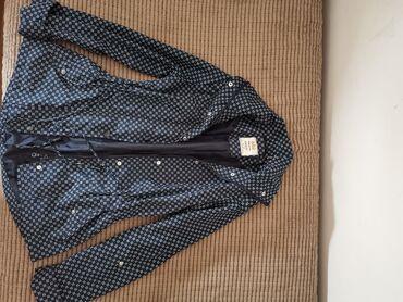 Jakne zenske - Srbija: Zenska šuškava jakna, veličina M. Nije uopšte nošena