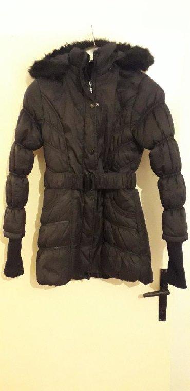 Zenska zimska jakna, ocuvana, postavljena, ima kapuljacu, S velicina - Belgrade