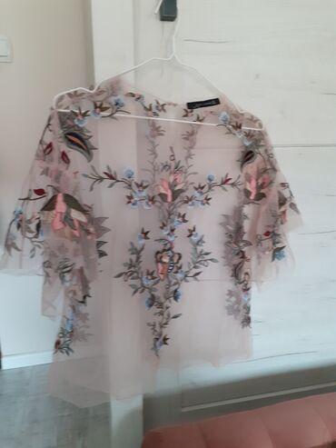 Zara providna bluza S(Izvukle su se negde niti vidi se na slici gde je