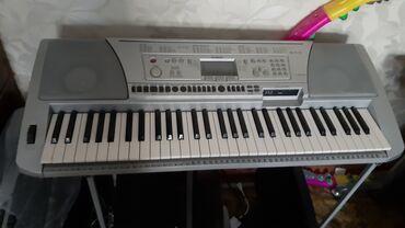 Синтезаторы - Бишкек: Продаю синтезатор профессиональный Yamaha 450.В отличном состоянии.всё